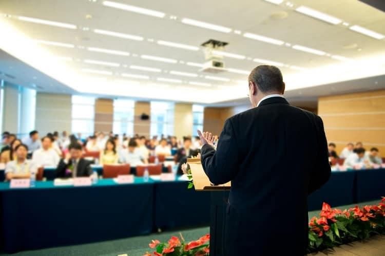 thuyết trình nói trước đám đông